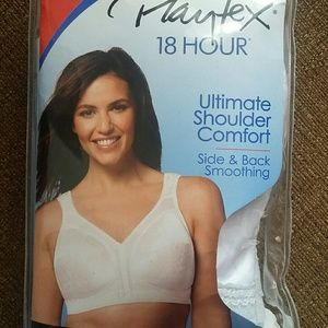 2 Playtex 18 Hour Bras